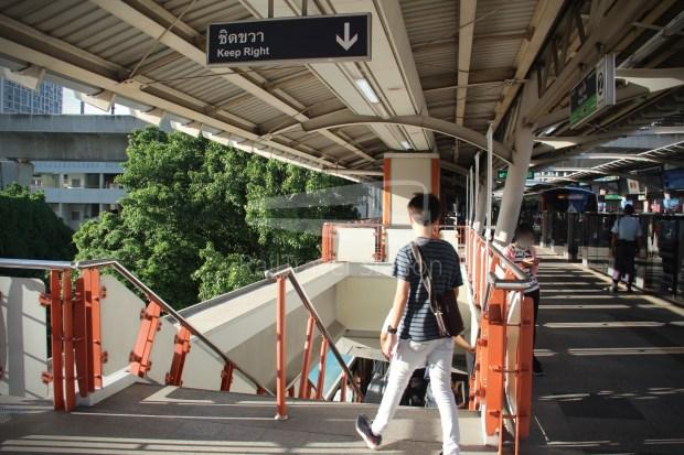 BTS Sukhumvit Line Chit Lom Phaya Thai Siemens Inspiro 011