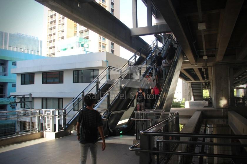 SARL City Line Phaya Thai Suvarnabhumi Airport 003