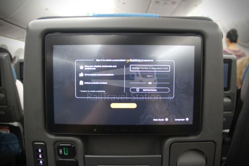 Singapore Airlines SQ983 BKK SIN 042
