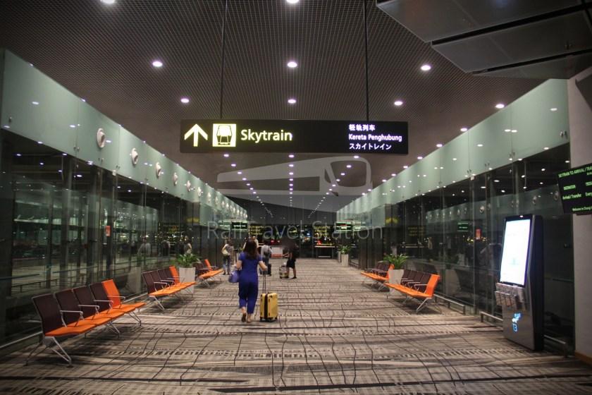 Singapore Airlines SQ983 BKK SIN 076