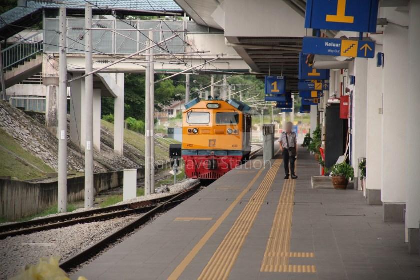 Special Express 46 Padang Besar Bangkok Hua Lamphong 024