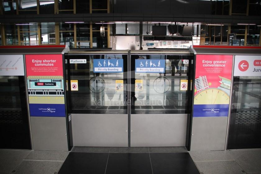 Canberra MRT Station 023