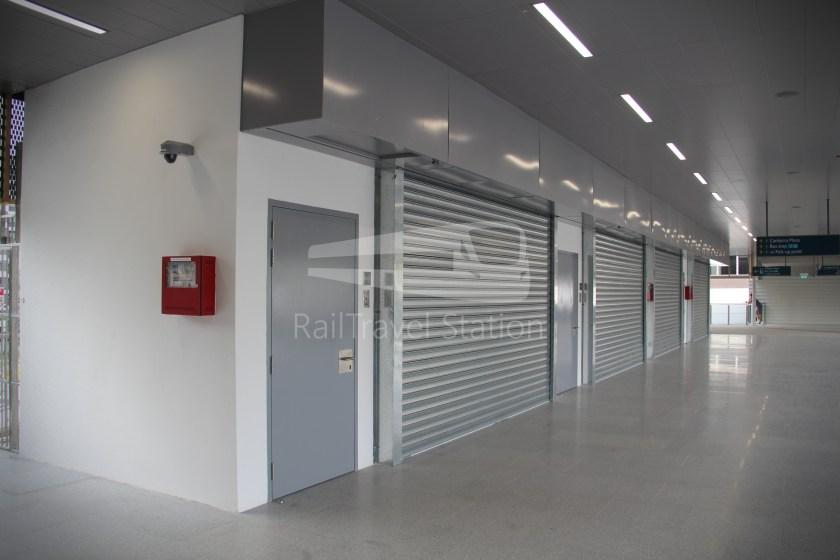 Canberra MRT Station 065