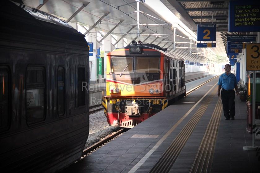 London to Singapore Day 39 Bangkok to Padang Besar to Kuala Lumpur 08