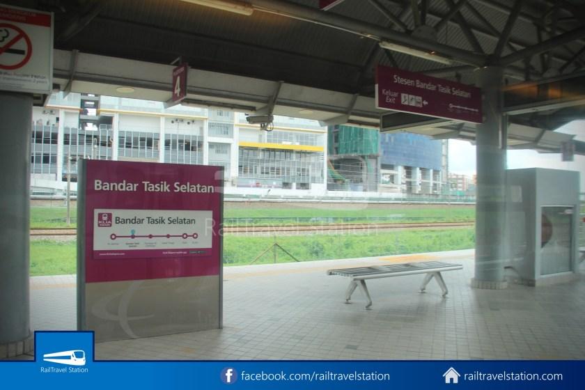 KLIA Transit KL Sentral Putrajaya 033