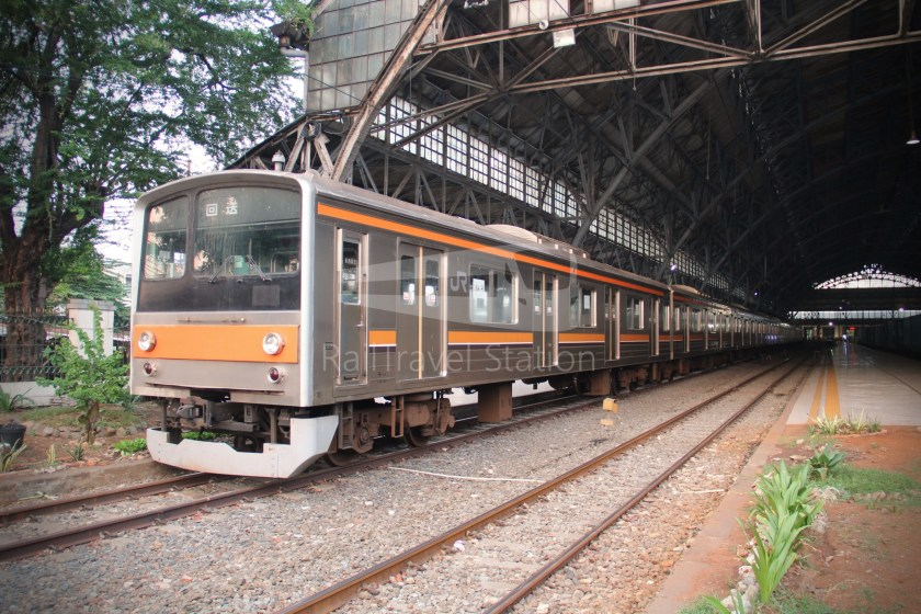 Musashino Line 205 Series Tanjung Priok 021