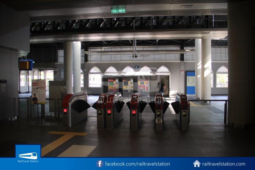 Pasar Seni LRT – Kuala Lumpur KTM Link Bridge 015