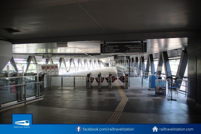 Pasar Seni LRT – Kuala Lumpur KTM Link Bridge 032