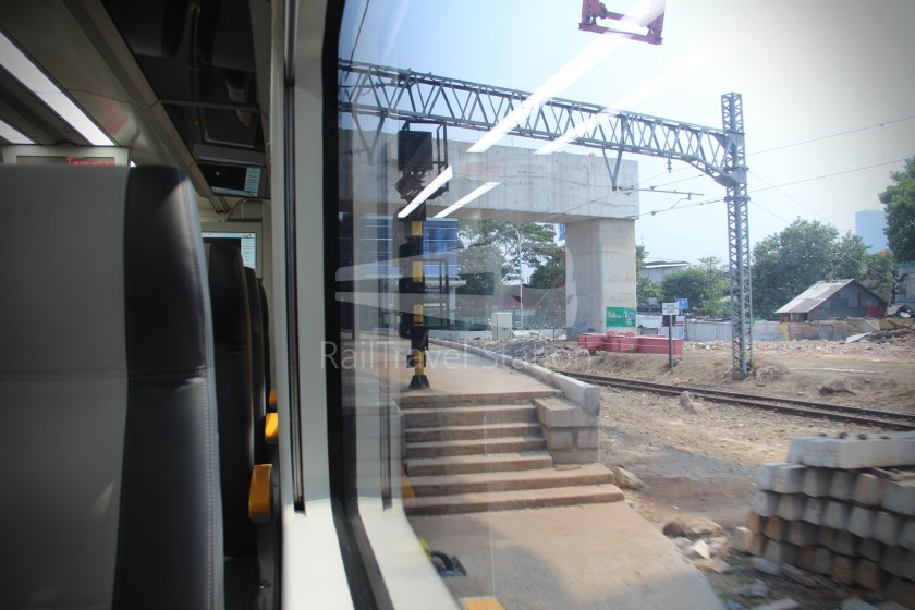 Railink 537C538C SHIA Manggarai 059