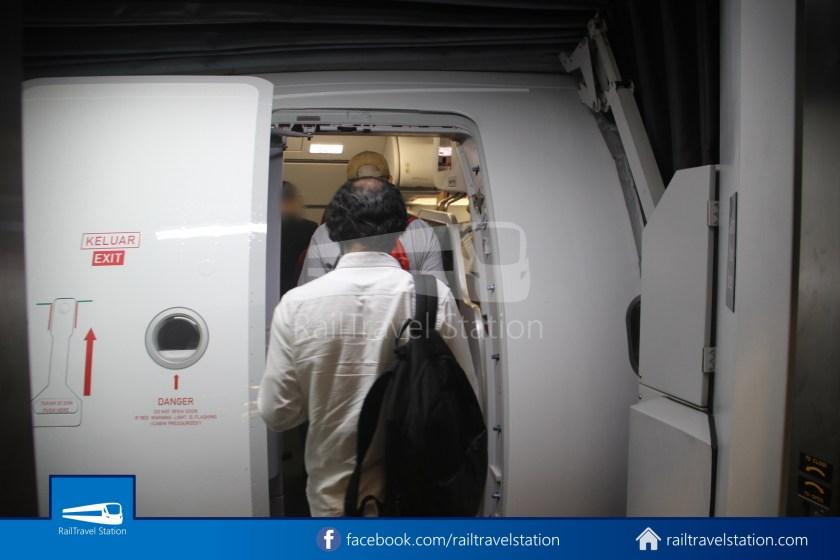 AirAsia AK720 SIN KUL Airbus A321neo 021
