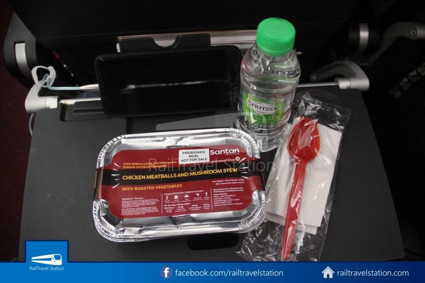 AirAsia AK720 SIN KUL Airbus A321neo 044
