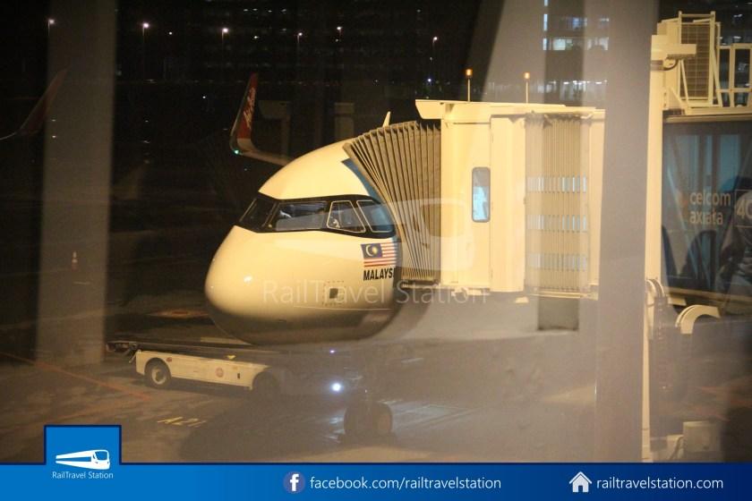 AirAsia AK720 SIN KUL Airbus A321neo 052