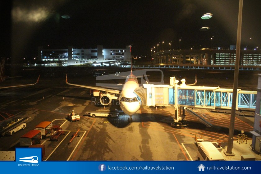 AirAsia AK720 SIN KUL Airbus A321neo 055