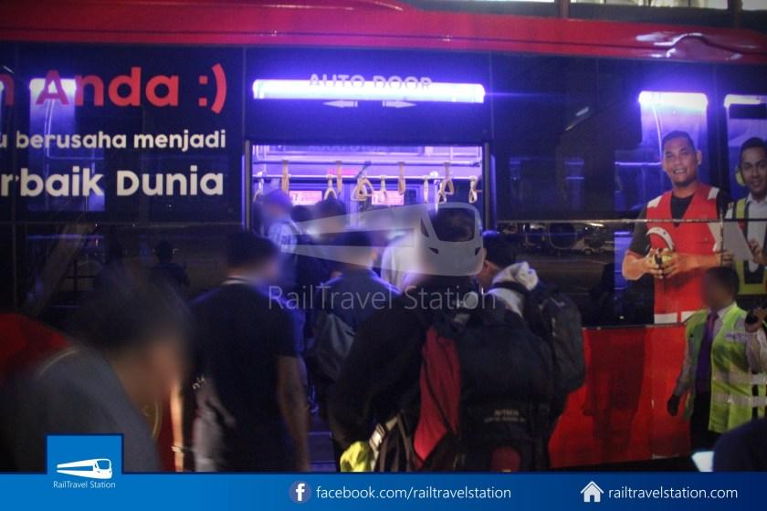 Indonesia AirAsia QZ265 SIN CGK 030