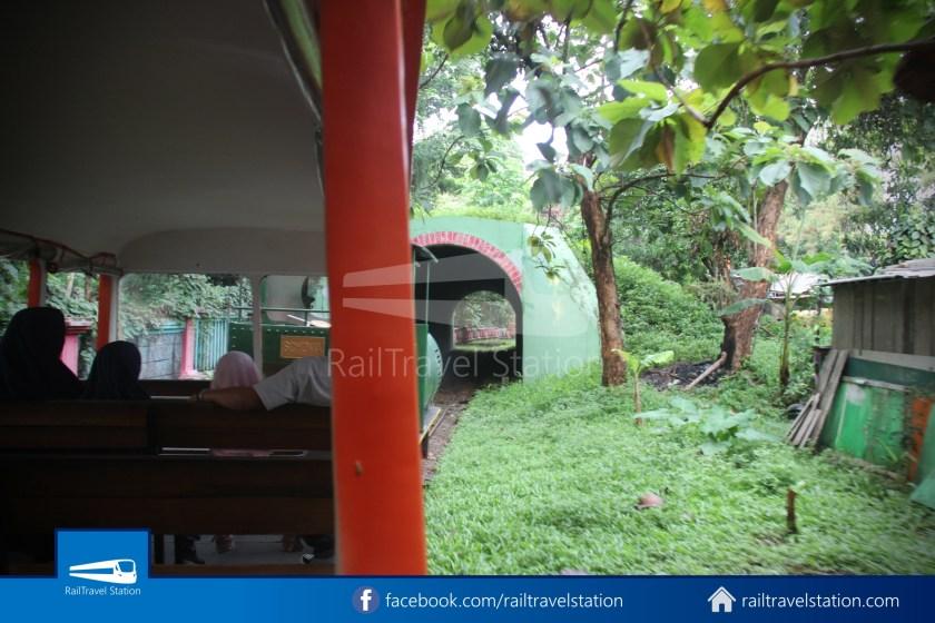 TMII Mini Train 046
