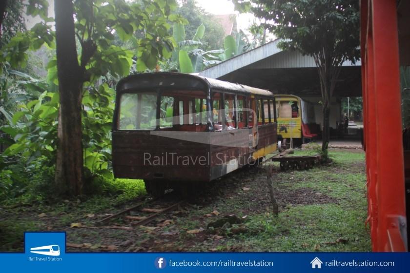 TMII Mini Train 054