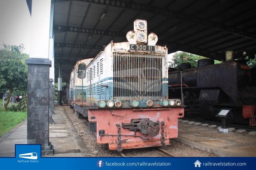 TMII Museum Transportasi 043