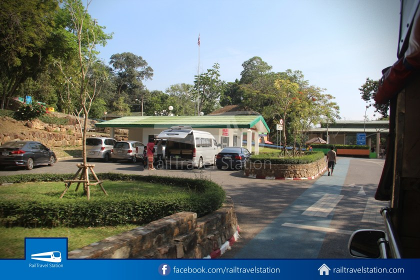 Hat Yai City Municipality Park Shuttle Songthaew Wonders Land Cable Car 015