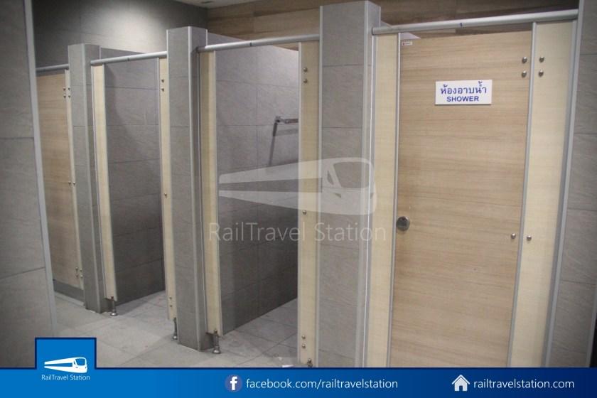 Hua Lamphong Shower Room 004
