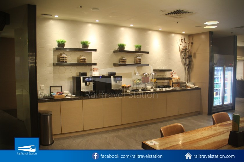 Plaza Premium Lounge SIN T1 002