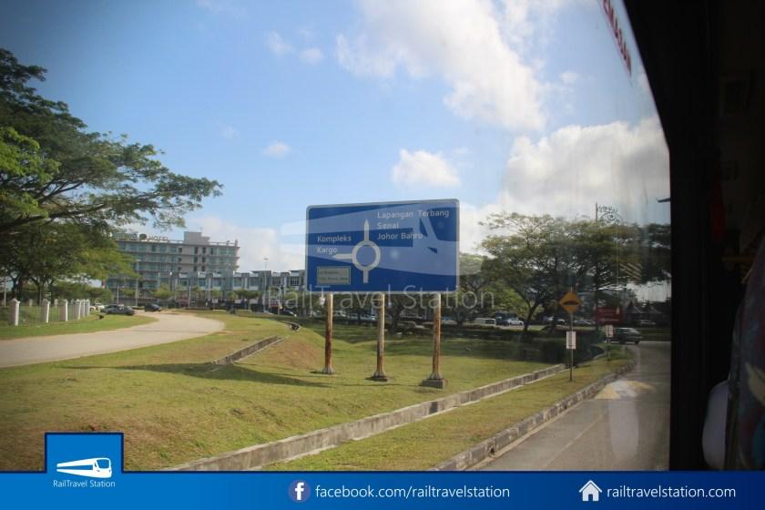 Causeway Link AA1 JB Sentral Senai Airport 9am 024