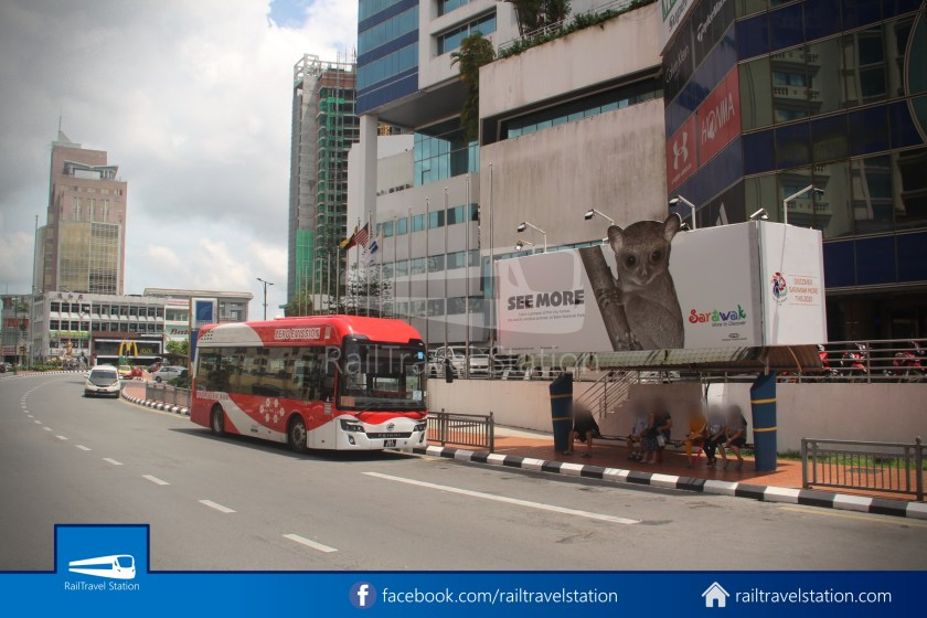 H2 Sarawak Damai Bus at Riverside Majestic 012
