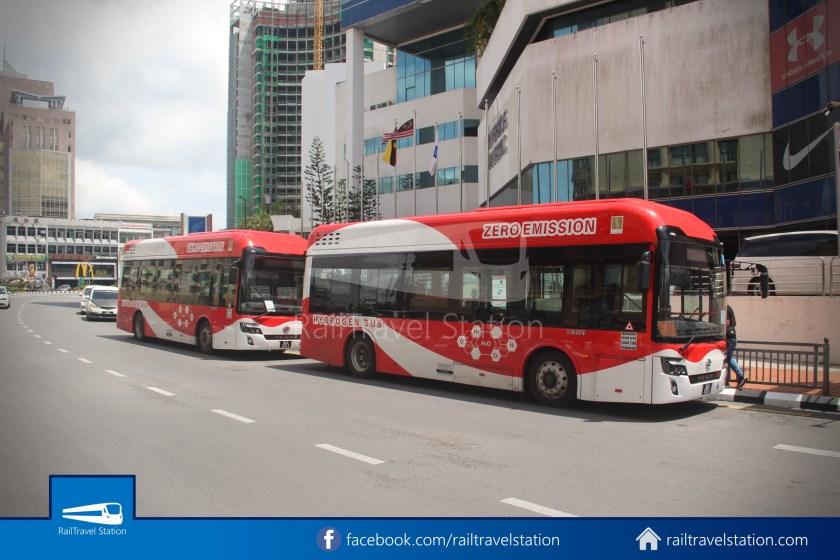 H2 Sarawak Damai Bus at Riverside Majestic 016