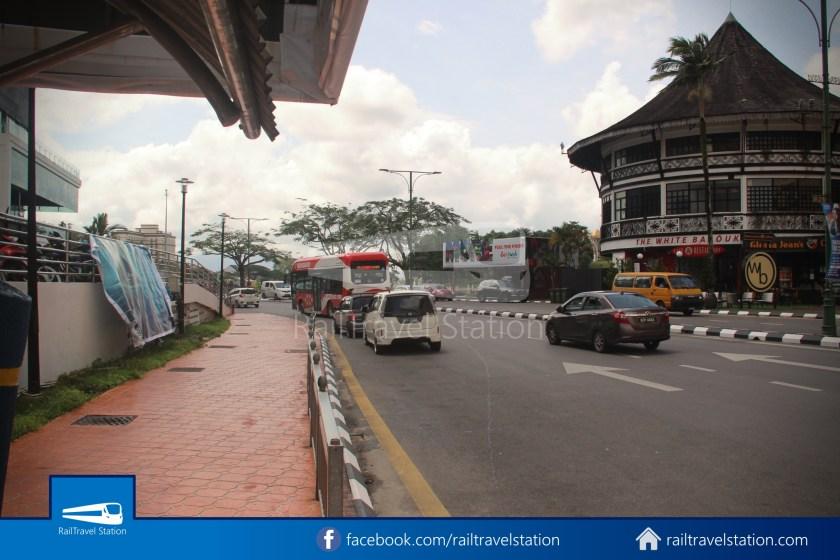 H2 Sarawak Damai Bus at Riverside Majestic 022