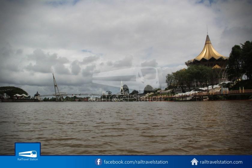 Kuching Penambang Kampung Boyan Waterfront 010