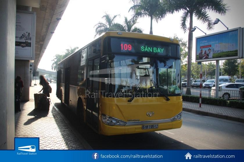 Airport Bus 109 23-9 Park Pham Ngu Lao Tan Son Nhat International Airport 26