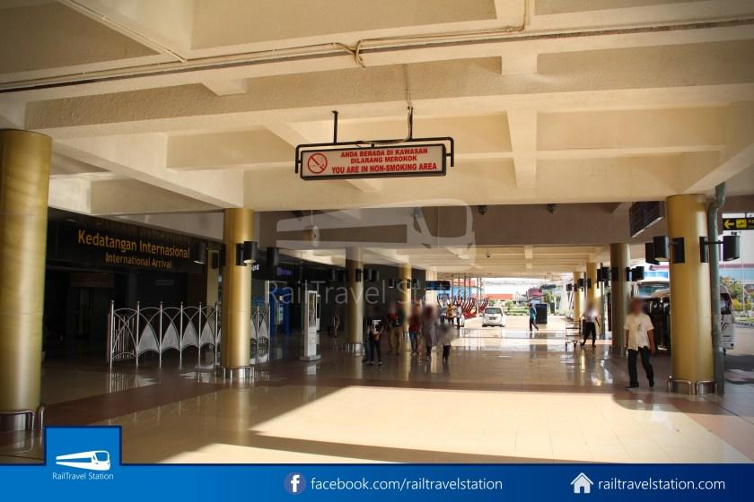 DAMRI Padang Airport Bus 04