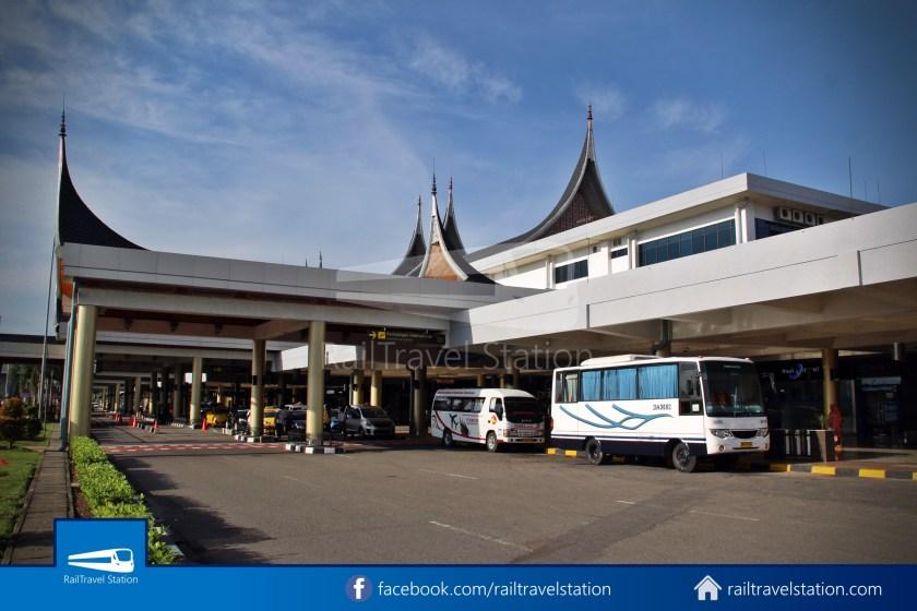 DAMRI Padang Airport Bus 06
