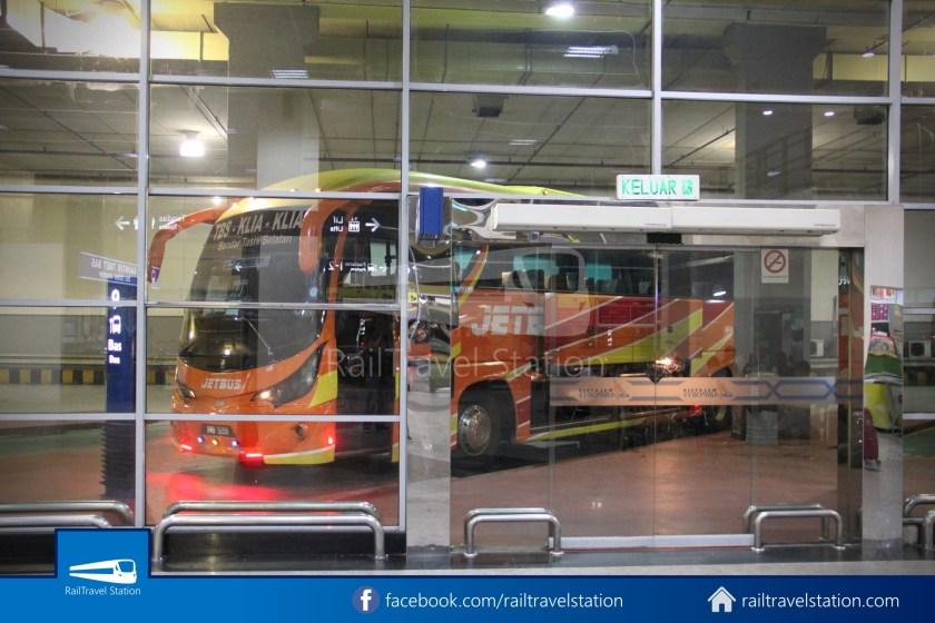 Jetbus TBS KLIA2 10