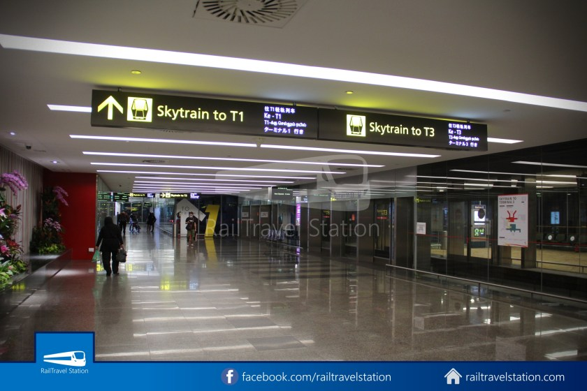 Skytrain T2 Station E Public 001