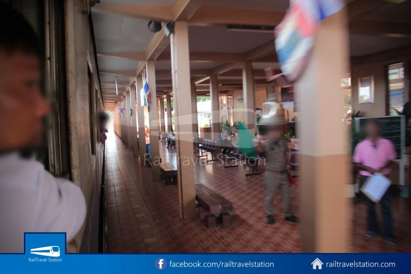 Express 51 Bangkok Hua Lamphong Chiang Mai 2012 040