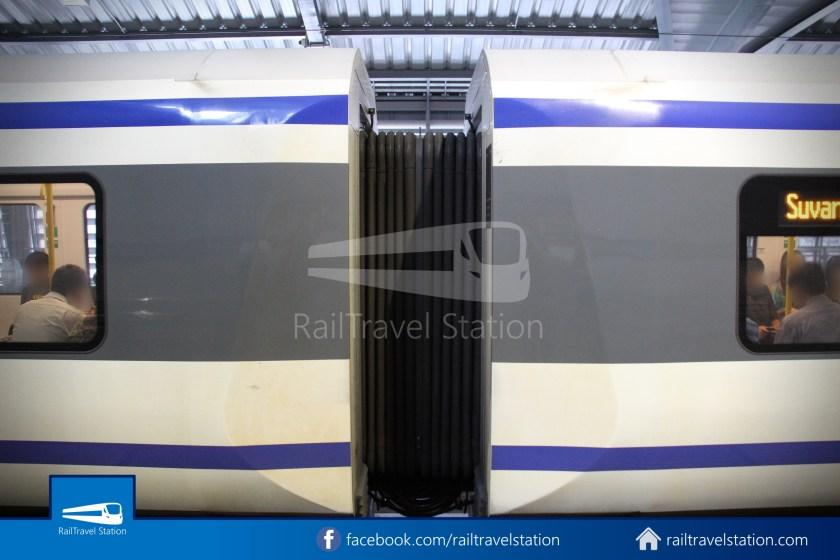SARL City Line Phaya Thai Makkasan 2011 004