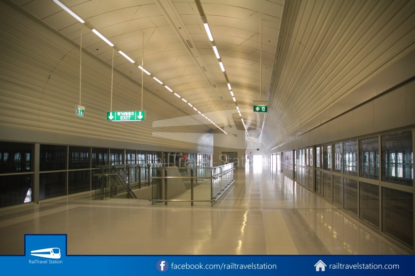 SARL Express Line Makkasan CAT Suvarnabhumi 2012 008