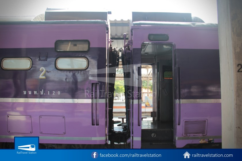 Special Express 14 Chiang Mai Bangkok Hua Lamphong 2012 006