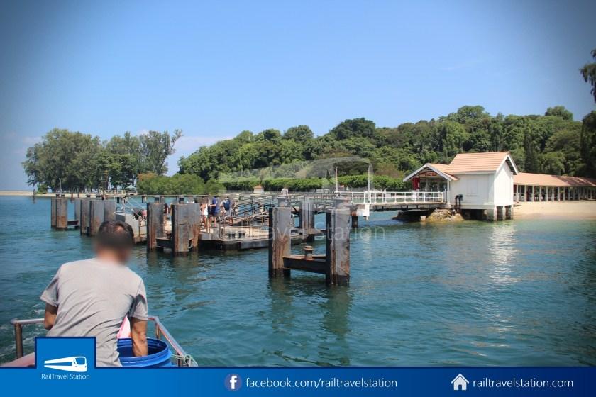 Marina South Ferries St John Island Kusu Island 005