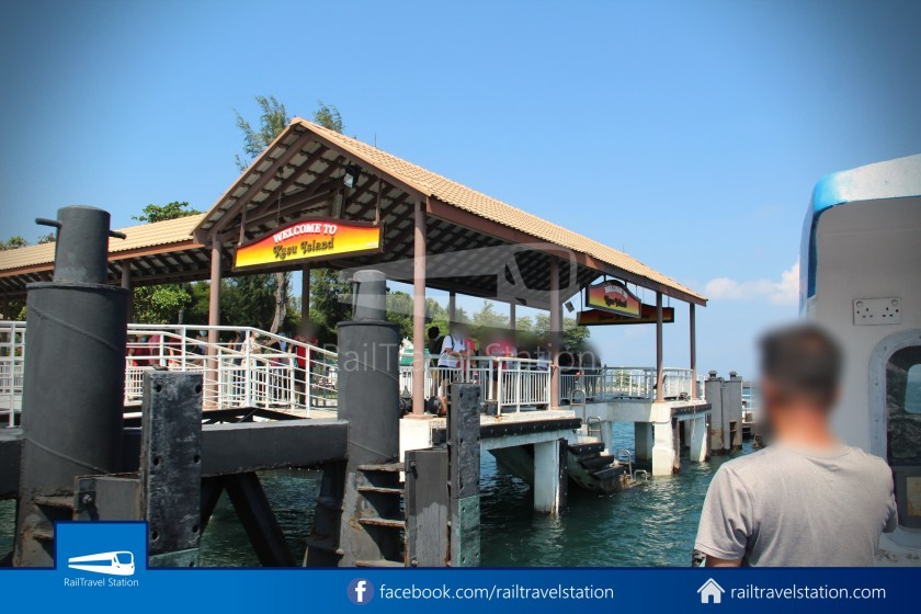 Marina South Ferries St John Island Kusu Island 024