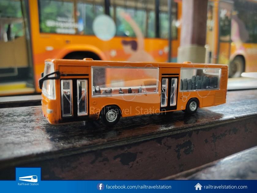 Sentosa Monorail Bus Models Taobao Knockoffs 003