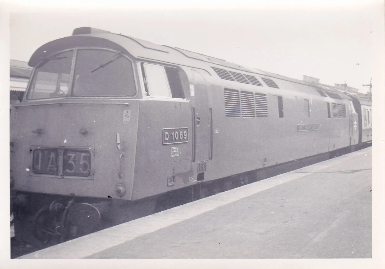 Class 52 1069 Western Vanguard on up train at Exeter St Davids depot June 1971
