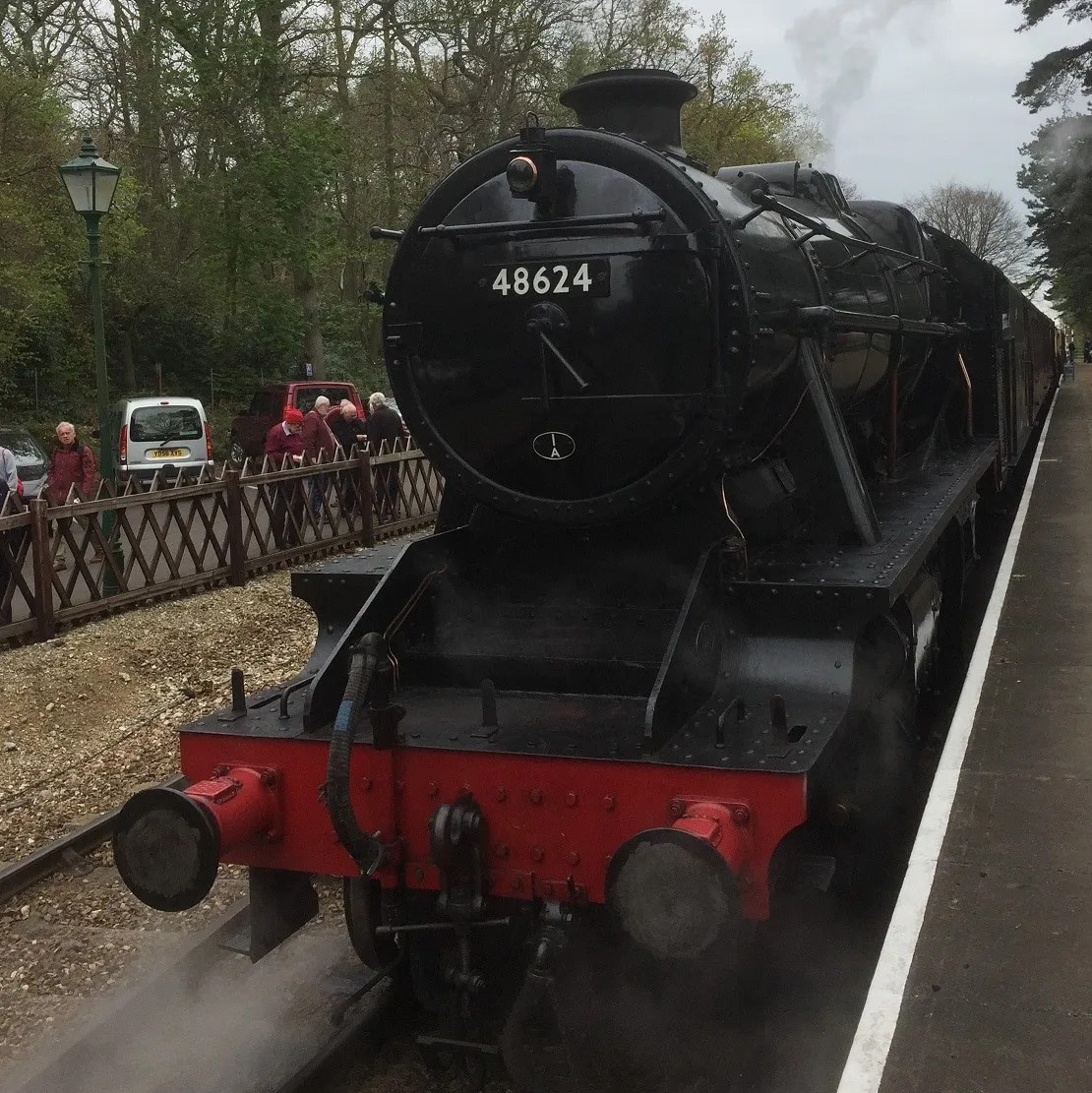 Stanier Class 8f arrives at Holt Station