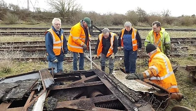 The recovery team at Thingley Junction