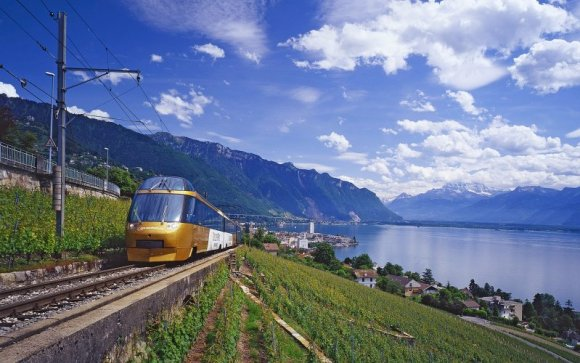 golden pass train switzerland