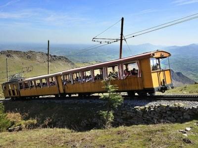la rhune mountain railway train