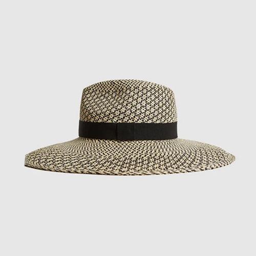 luxury train trip Panama hat
