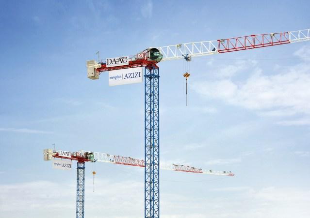 Due nuove gru a torre MRT111 firmate Raimondi vendute a un'impresa di Dubai