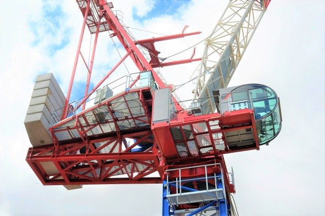 Construction Index: Heavy-lift Raimondi luffer makes world debut in London