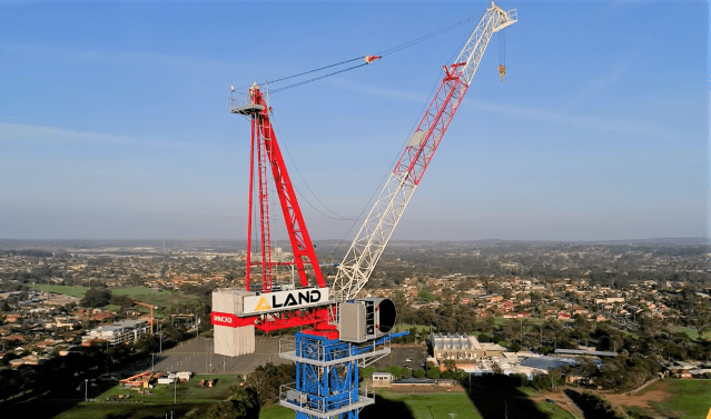 Strictly Cranes dismantles Raimondi LR213 at working height of 100 meters in Australia